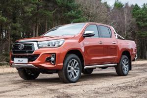 Mencari Pikap Tangguh nan Praktis, Pilih Toyota Hilux atau Isuzu D-Max?
