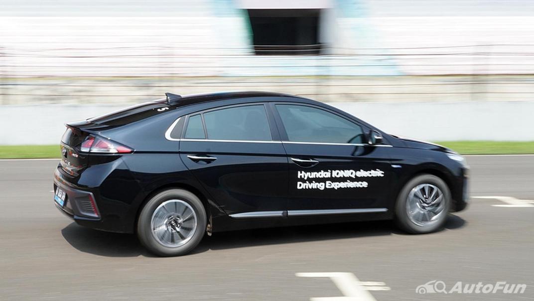 2021 Hyundai Ioniq Electric Exterior 018