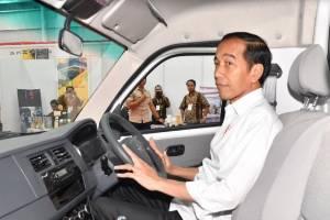 Intip Deretan Mobil Presiden Jokowi, dari Isuzu Panther, Nissan Grand Livina, hingga sedan Mercedes-Benz