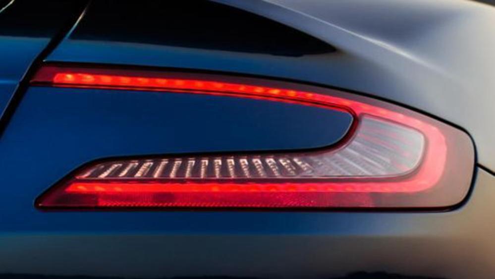 Aston Martin Vanquish 2019 Exterior 013