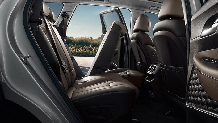 Hyundai Santa Fe 2019 Interior 008