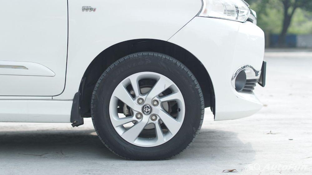 Toyota Avanza Veloz 1.3 MT Exterior 048