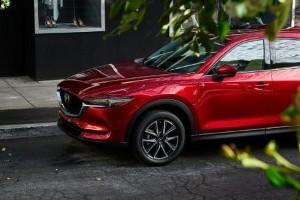 Perbandingan Biaya Servis Toyota C-HR dan Mazda CX-5 Hingga 5 Tahun