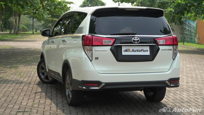 2021 Toyota Kijang Innova Exterior 004