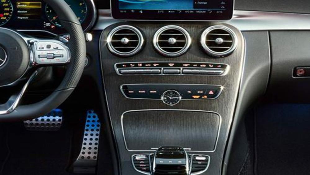 Mercedes-Benz C-Class Estate 2019 Interior 004