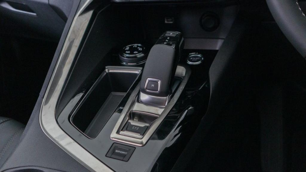 Peugeot 5008 2019 Interior 017