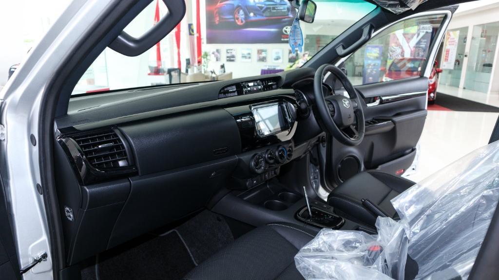 Toyota Hilux 2019 Interior 003