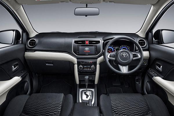 interior Toyota Rush