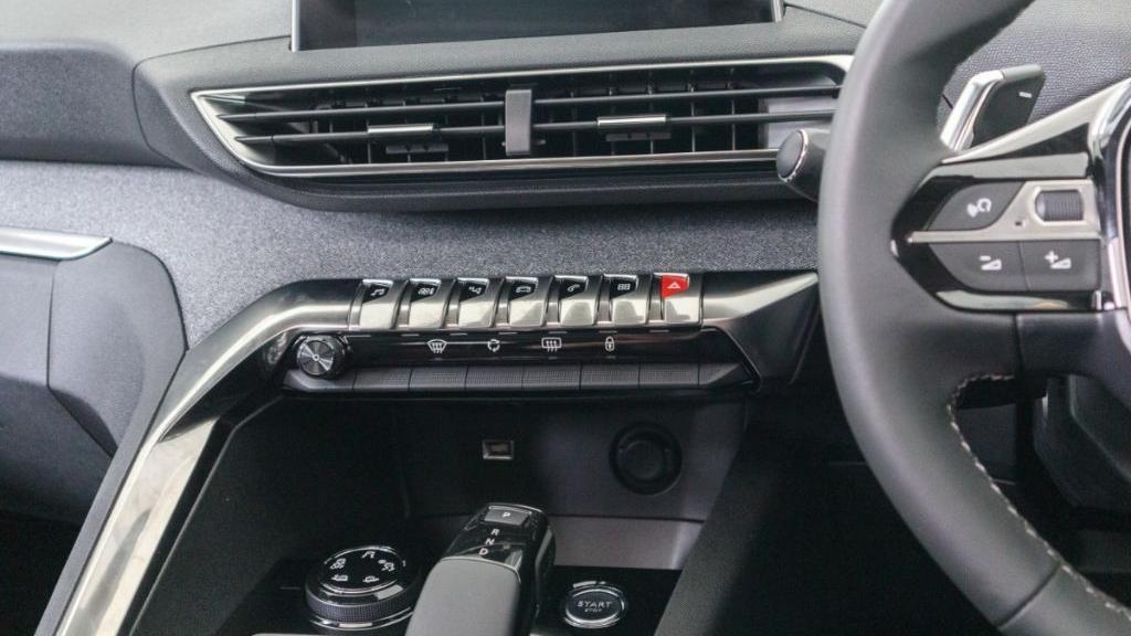 Peugeot 5008 2019 Interior 016