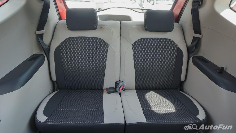 Renault Triber RXZ MT Interior 024