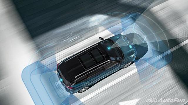 Selisih Rp1 Juta, Apa Saja Perbedaan Fitur Keselamatan Peugeot 5008 vs Mazda CX-8? 02