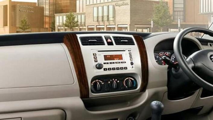 Suzuki APV Luxury 2019 Interior 003