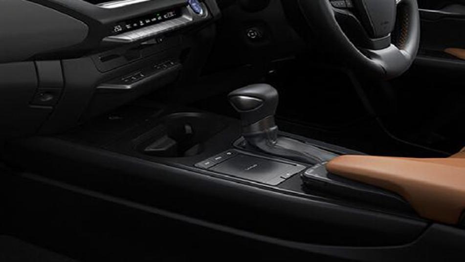 Lexus UX 2019 Interior 003