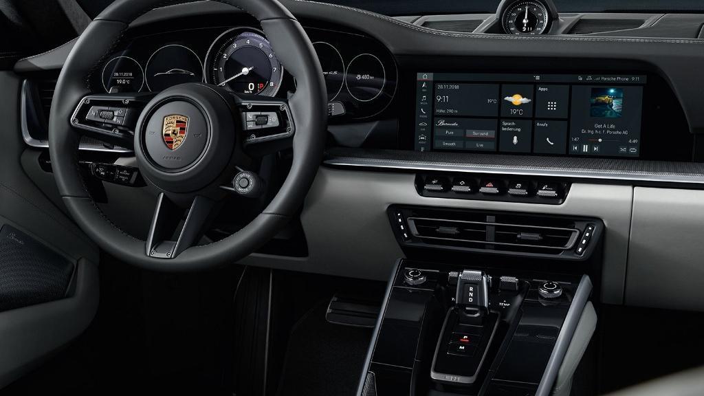 Porsche 911 2019 Interior 032