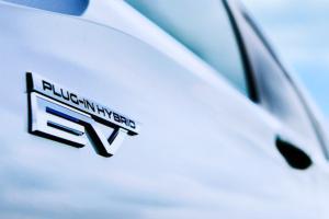 Mitsubishi Outlander PHEV 2022 7 Seater Siap Meluncur Tahun Ini, Lebih Baik Daripada Mobil Listrik Murni?