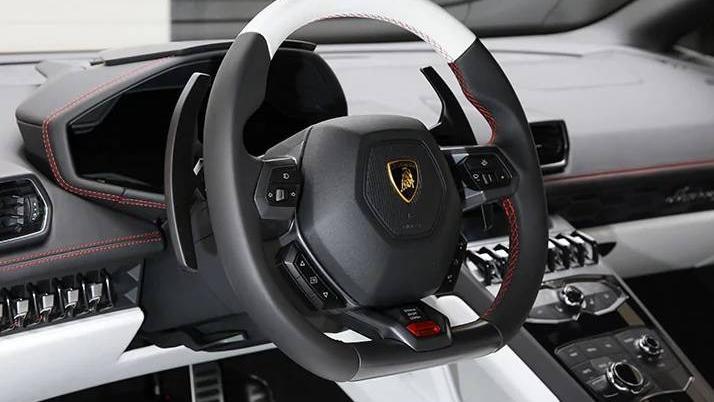 Lamborghini Huracan 2019 Interior 024