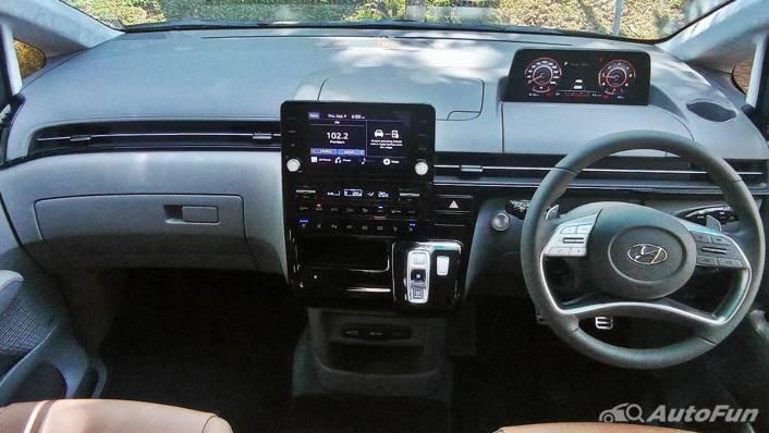 2021 Hyundai Staria Signature 7 Interior 001