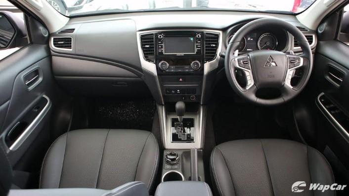 Mitsubishi Triton 2019 Interior 001