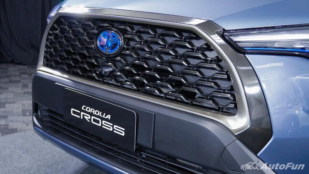 Toyota Corolla Cross Hybrid Exterior 018