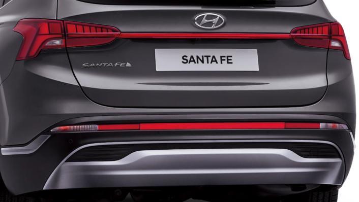 2021 Hyundai Santa Fe Exterior 003