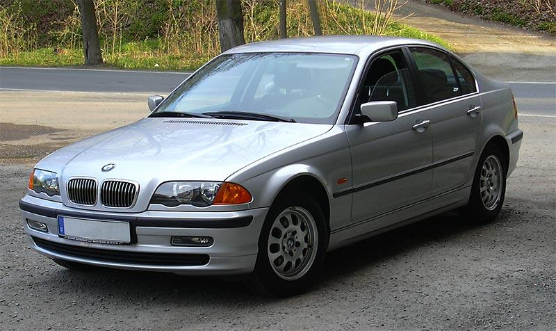 BMW E46 akhirnya hadir, dan masih populer sampai sekarang! 02