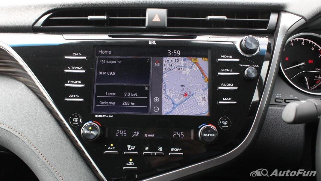 Toyota Camry 2019 Interior 053