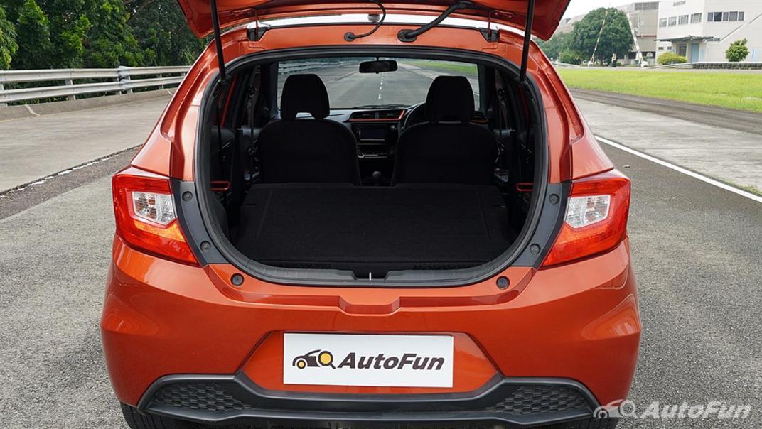 Honda Brio RS CVT Interior 025