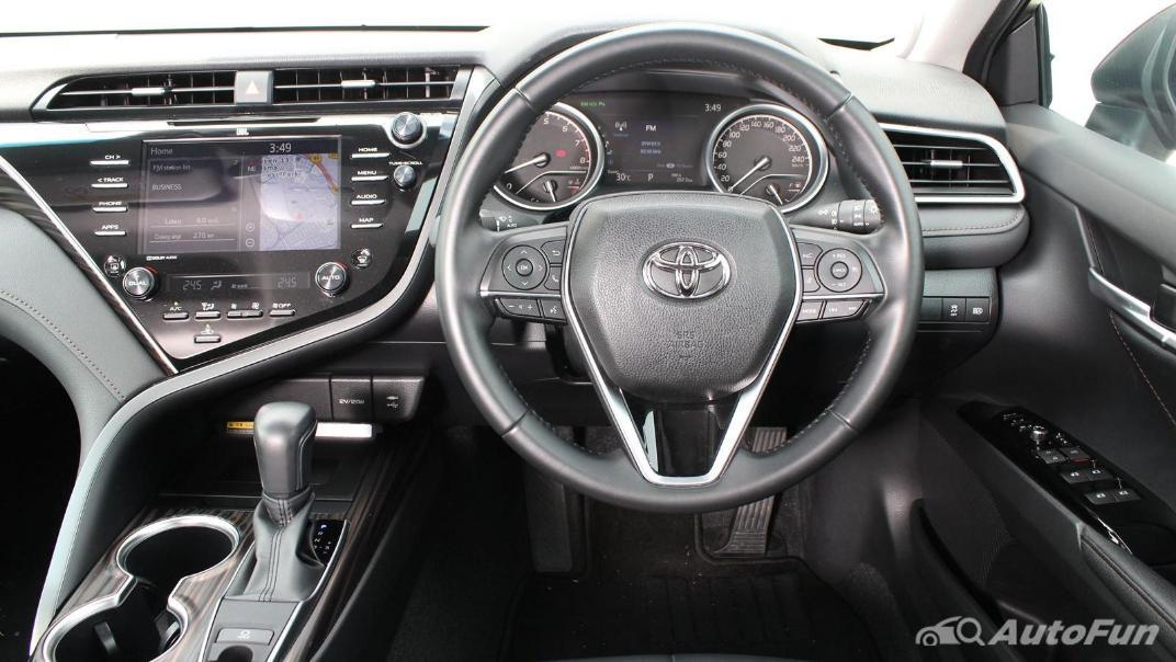 Toyota Camry 2019 Interior 043