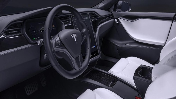 Tesla Model S 2019 Interior 003