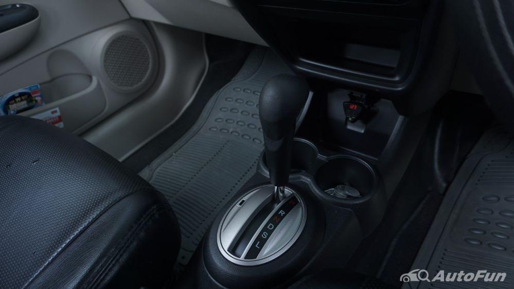 Honda Mobilio E CVT Interior 012