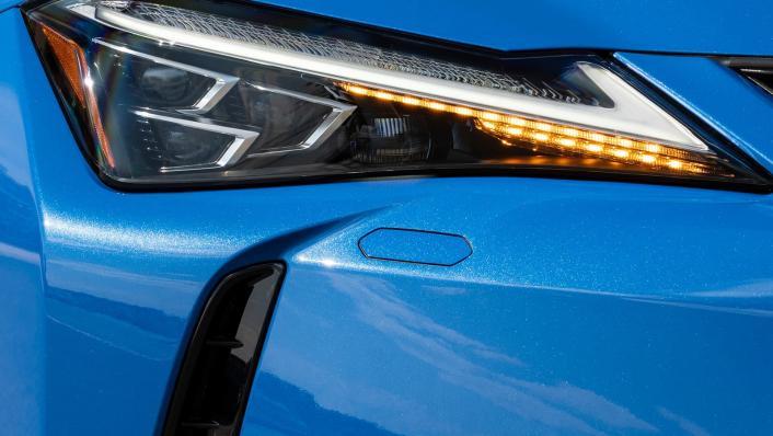 2021 Lexus UX 300e Exterior 009