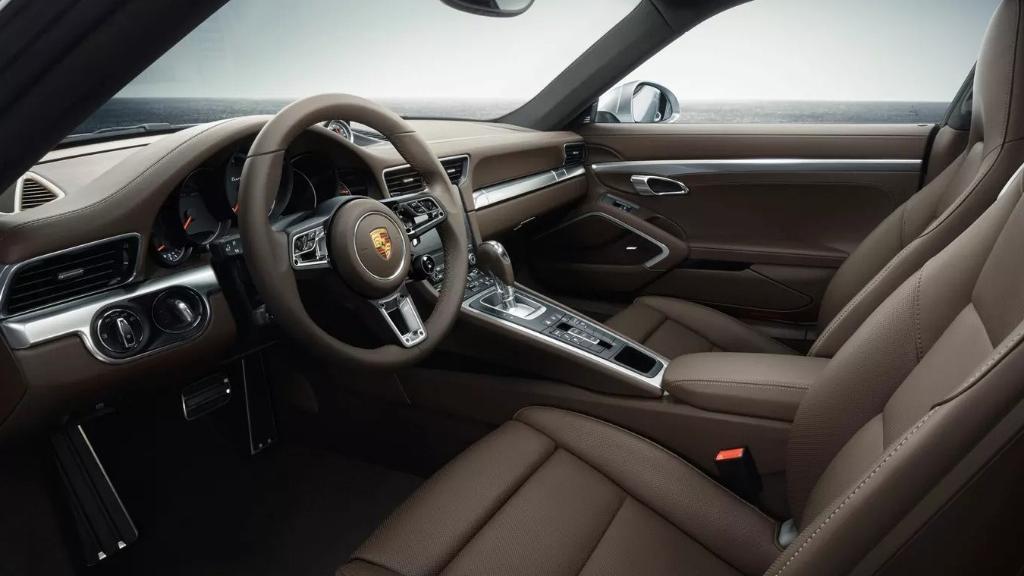 Porsche 911 2019 Interior 044