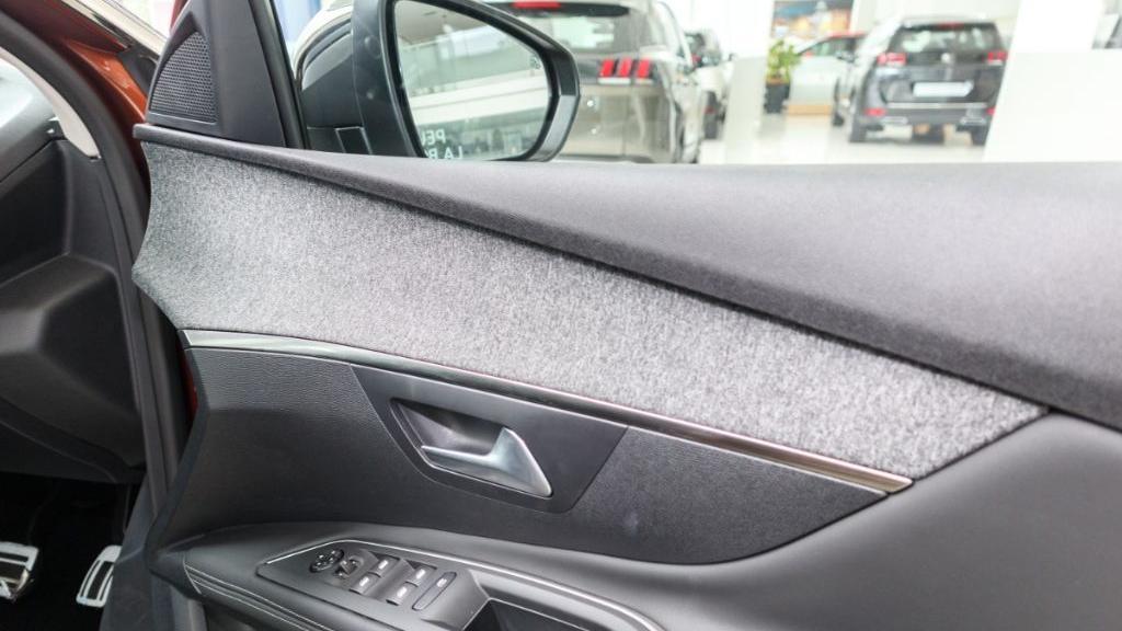 Peugeot 3008 2019 Interior 042