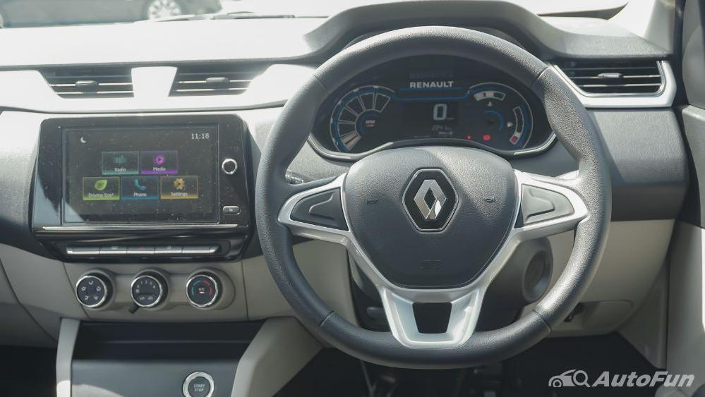 Renault Triber RXZ MT Interior 003