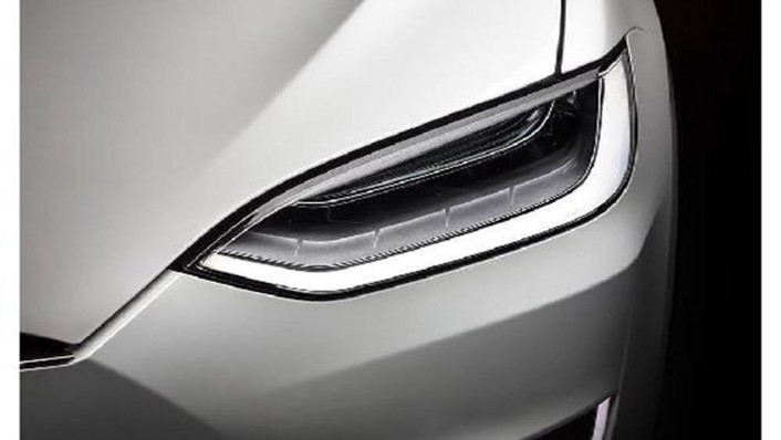 Tesla Model X 2019 Exterior 009