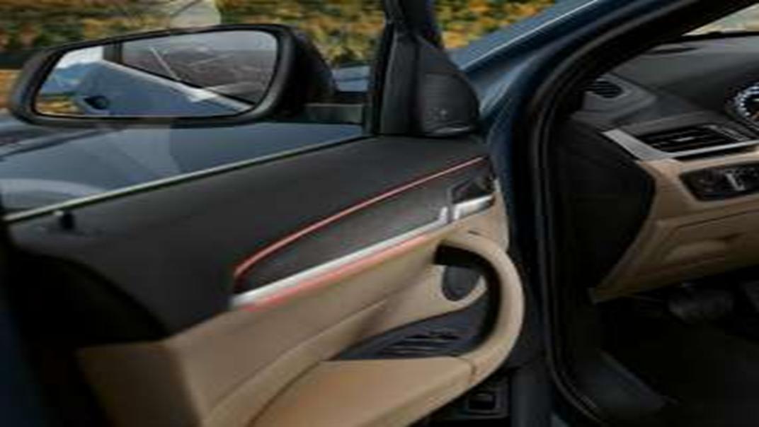 BMW X1 2020 sDrive18i xLine Interior 001