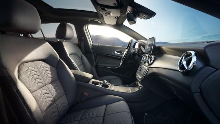 Mercedes-Benz GLA-Class 2019 Interior 009