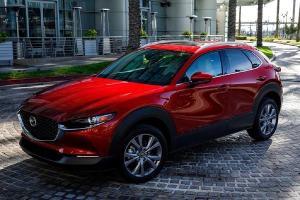 Simak Pertimbangan Membeli Mazda CX-30 Berikut ini