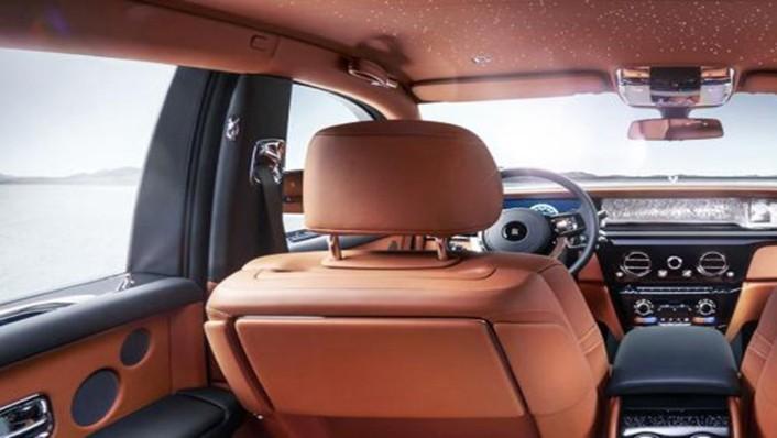 Rolls Royce Phantom 2019 Interior 005
