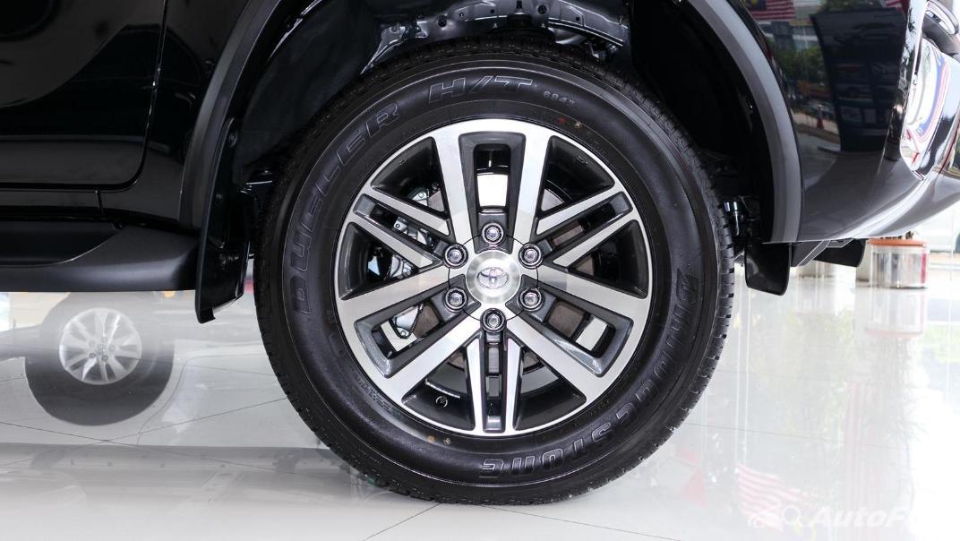 Toyota Fortuner 2019 Exterior 028