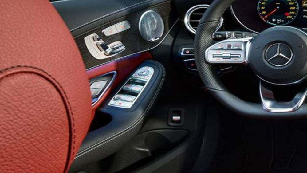 Mercedes-Benz C-Class Estate 2019 Interior 005
