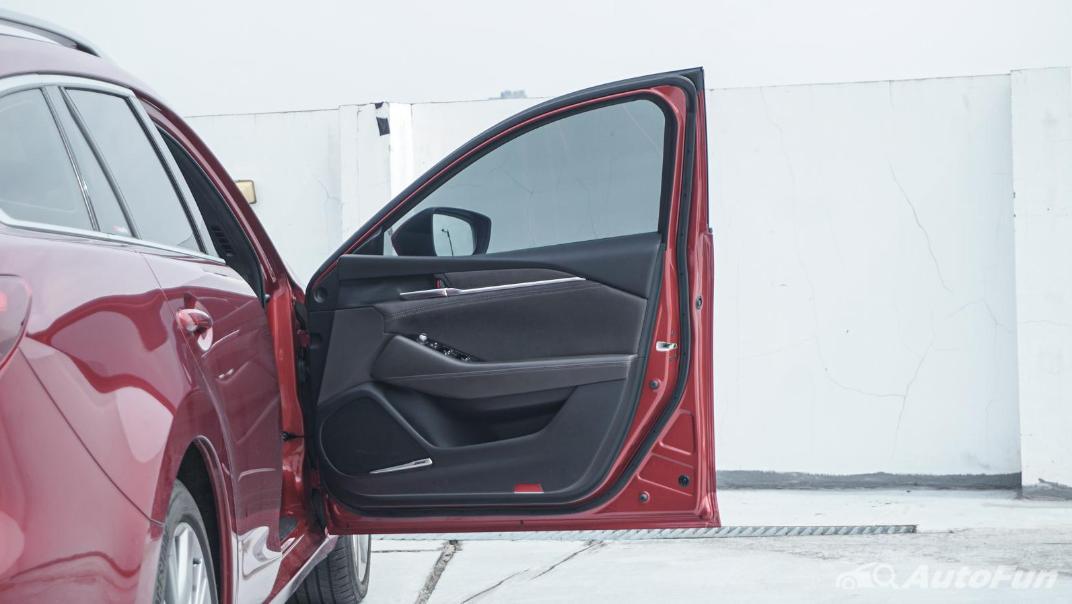 Mazda 6 Elite Estate Interior 070