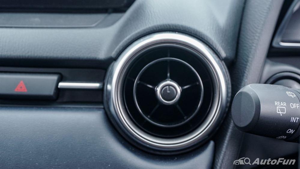 Mazda 2 GT AT Interior 049