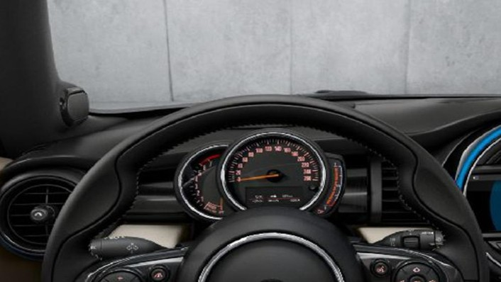 MINI Convertible 2019 Interior 004