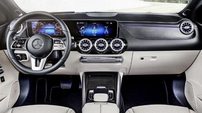Mercedes-Benz B-Class 2019 Interior 001