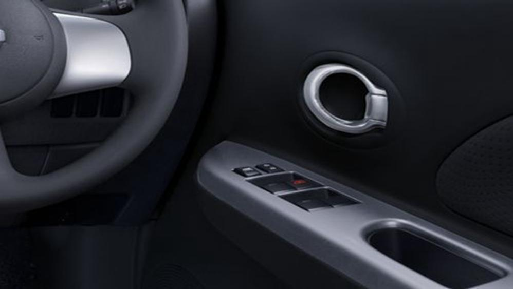Nissan March 2019 Interior 003