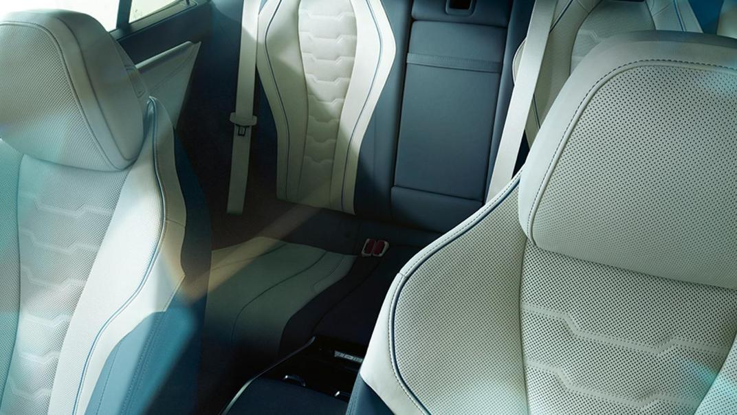 BMW 8 Series Coupe 840i Gran Coupe Interior 022