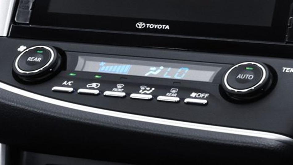 Toyota Venturer 2019 Interior 004