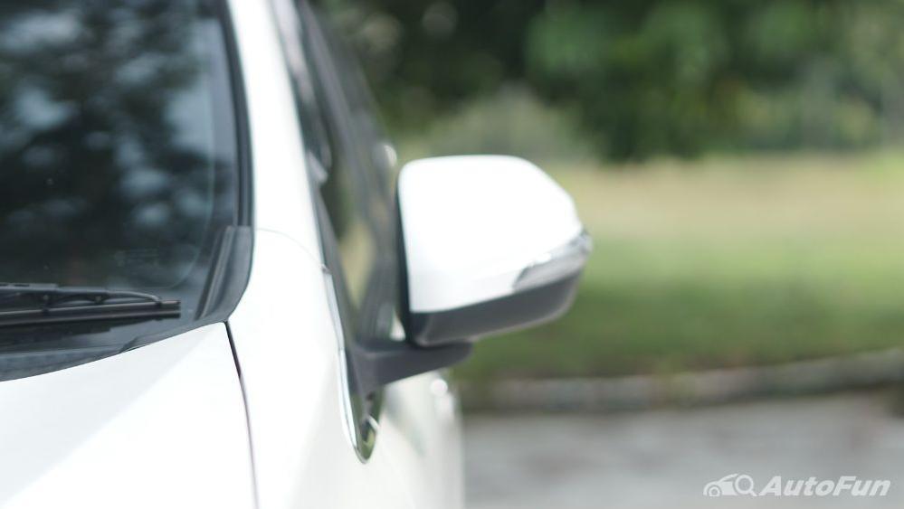 Toyota Avanza Veloz 1.3 MT Exterior 035