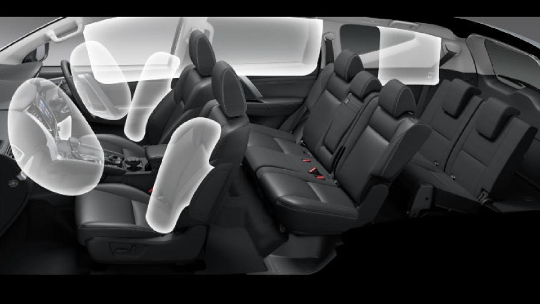 2021 Mitsubishi Pajero Sport Interior 015